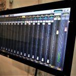 Soundcraft Ui24R Mixer And Touchscreen